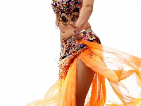 Como Sherazade: danza del vientre en Barcelona Fiesta con clase de belly dance