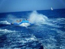 Planea sobre el mar en slider manta en Barcelona - Ideas para un cumpleaños