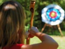 Tiro con arco para una fiesta a lo Robin Hood o una fiesta medieval