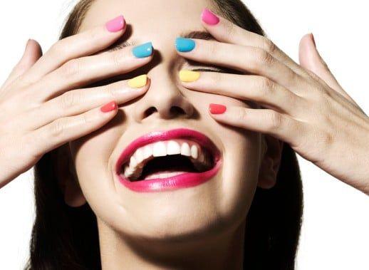 Fiesta sorpresa con maquillaje y estilismo, limusina y cena