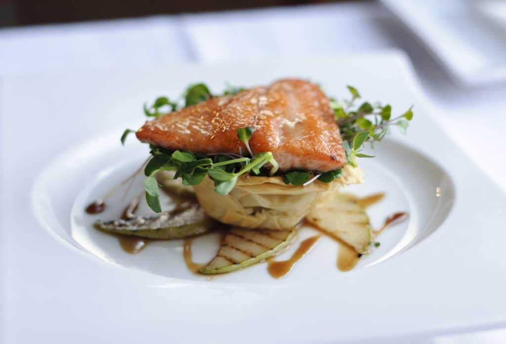 Restaurantes en barcelona ideas para fiestas de - Platos gourmet con pescado ...