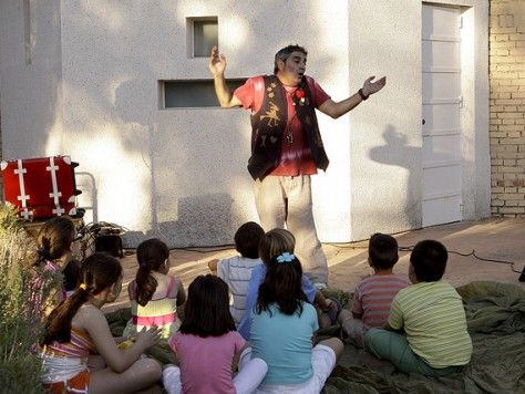 Cuentos y payasos: fiesta infantil cuenta cuentos en Barcelona