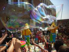 ¡Magia! Pompas de jabón gigantes para fiestas en Barcelona