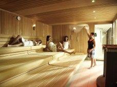 Circuito en spa con sauna, chorros de agua, turco, jacuzzi de celebración...