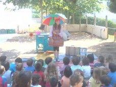 Entretenimiento infantil para bodas y comuniones en Barcelona. Peca Ploramiques escuela