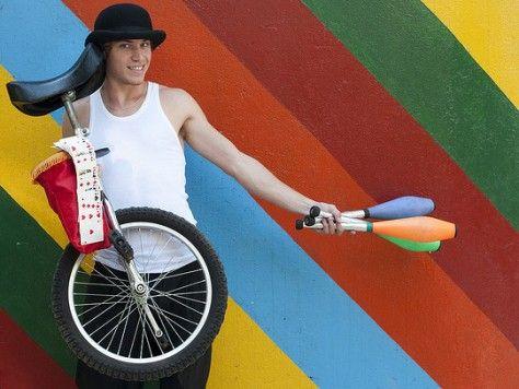 Yo soy artista: Taller de circo en Barcelona, malabares y monociclo