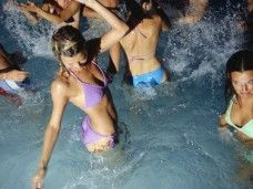 Pool party: ¡fiesta en la piscina de un Hotel de Barcelona y mojitos!