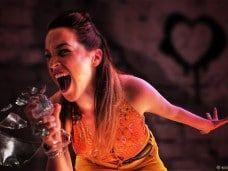Insultoterapia en Barcelona, una fiesta original con TI